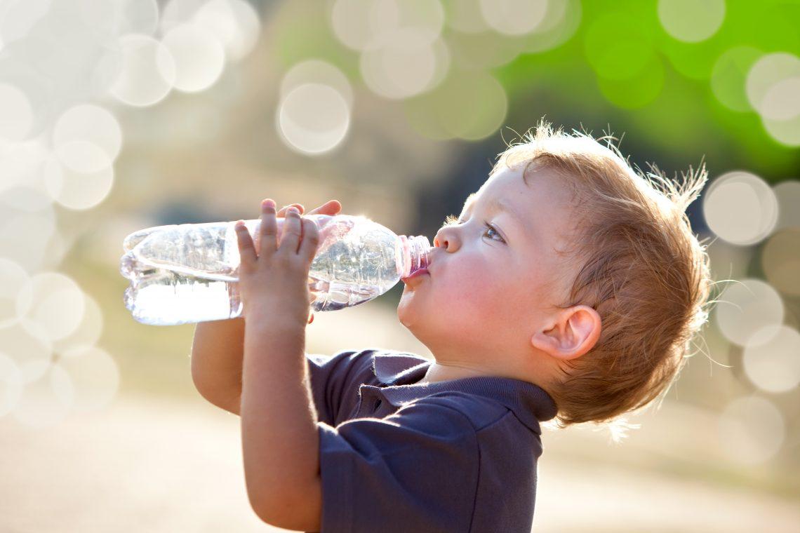 Resultado de imagem para bebendo agua
