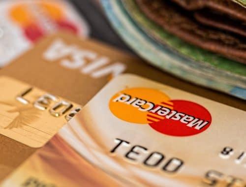 cartão de credito e dinheiro