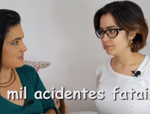 duas mulheres conversando em entrevista